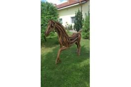 Teakový kůň
